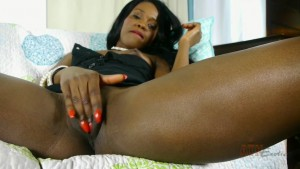 Leah Rubs Her Ebony Pussy